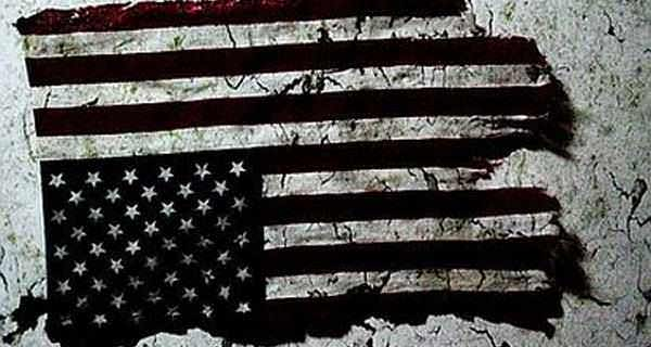 American-Flag-in-Distress-600x320